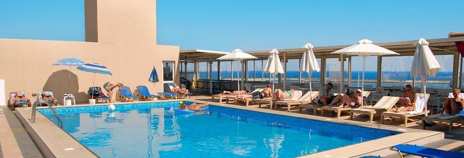 Poolen på hotel Achillion på Kreta, Grækenland.