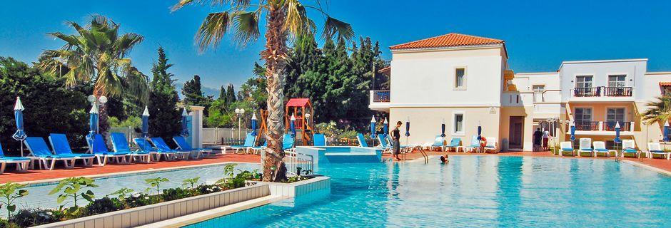 Poolområde på hotel Aegean Houses på Kos