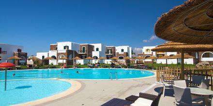 Pool på Hotel Aegean Land på Naxos i Grækenland.