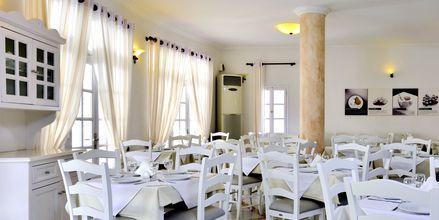 Restaurant på hotel Aegean Plaza på Santorini, Grækenland.