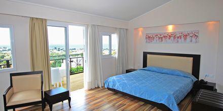 Superior-værelse på Hotel Aegean View Aqua Resort på Kos, Grækenland.