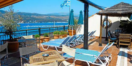 Solterrasse på Hotel Aeolis i Samos by, Grækenland.