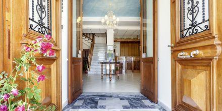 Indgang til Hotel Aeolos på Skopelos, Grækenland.