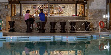 Bar på Hotel Aeolos på Skopelos, Grækenland.