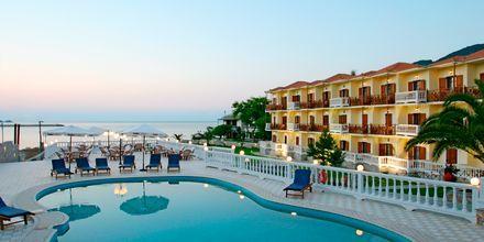 Poolområdet på hotel Aeolos på Skopolos, Grækenland.