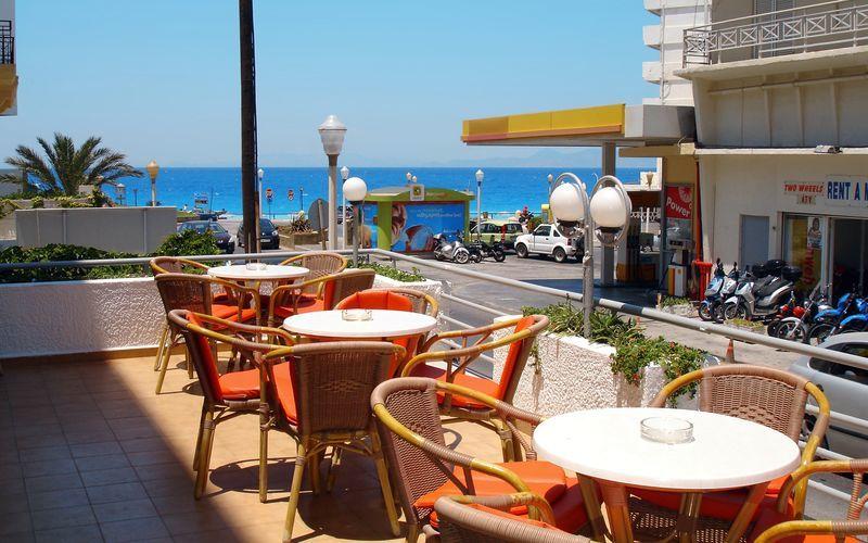 Terrasse på Hotel Africa på Rhodos, Grækenland.