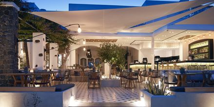 Aften på Hotel Afrodite i Kamari på Santorini, Grækenland.