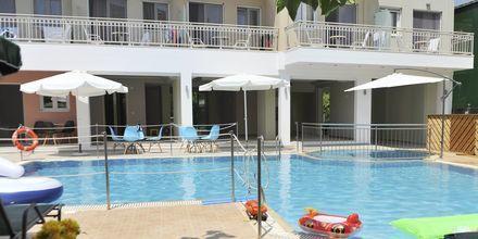 Pool på Hotel Aggelos på Lefkas, Grækenland.