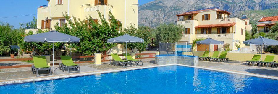 Poolområde på Hotel Agrilionas på Samos, Grækenland.