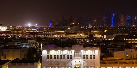 Aften ved Al Najada by Tivoli i Doha, Qatar.