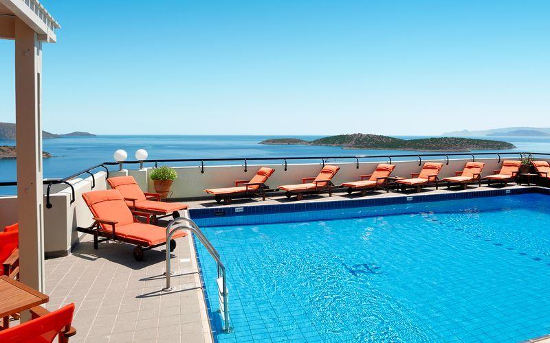 Pool på Hotel Alantha i Agios Nikolaos på Kreta, Grækenland.