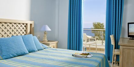 Superior-værelse på Hotel Alesahne Beach på Santorini, Grækenland.