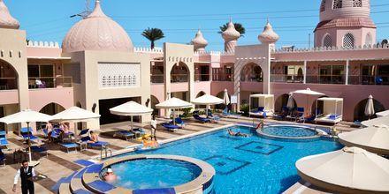 Pool ved Hotel Alf Leila Wa Leila Waterpark i Hurghada.