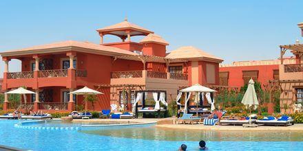 Poolområde ved Alf Leila Wa Leila Waterpark i Hurghada.