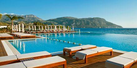 Poolen på hotel Alimounda Mare på Karpathos, Grækenland.