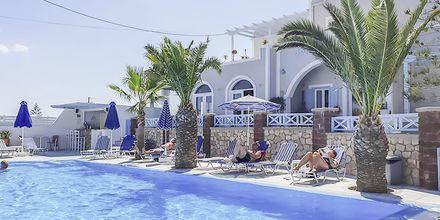 Pool på Hotel Alkyon i Kamari, Santorini.