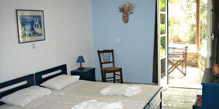 Dobbeltværelse på Hotel Alkyoni Beach i Naxos by, Grækenland.