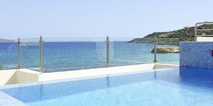 Tagpoolen på Almyrida Resort på Kreta, Grækenland.