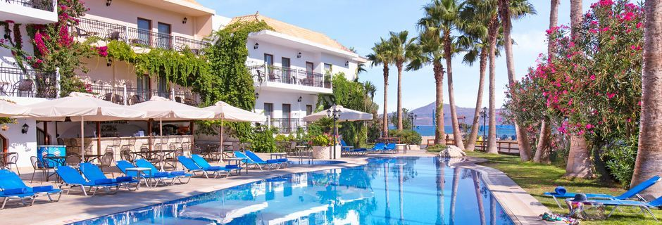 Poolområde på Almyrida Resort på Kreta, Grækenland.
