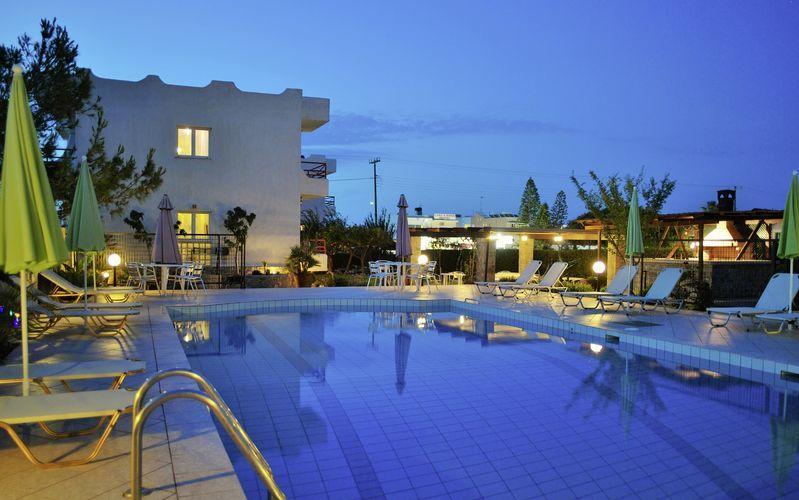 Pool på hotel Altis på Kreta.