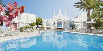 Poolområde Plaza på Alua Suites Fuerteventura.