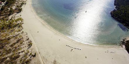 Stranden ved Hotel Ammos Bay i Ammoudia, Grækenland.
