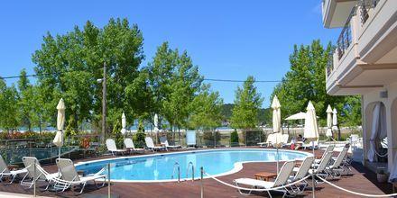 Poolen på Hotel Ammos Bay i Ammoudia, Grækenland.