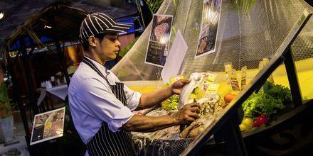 Besøg natmarked og prøv de skønne thailandske specialiteter