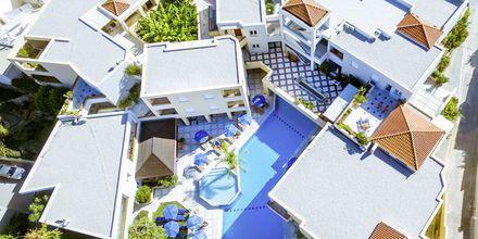 Poolområde på Hotel Anais Summerstar i Agii Apostoli på Kreta, Grækenland.