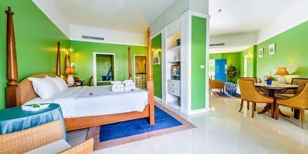 Deluxe-værelse på Hotel Andaman Seaview i Phuket, Thailand.