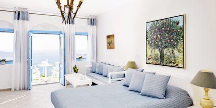 Superior-værelse på hotel Andromeda Villas på Santorini, Grækenland.
