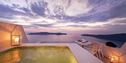 Suite på hotel Andromeda Villas på Santorini, Grækenland.