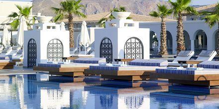 Poolområde på Hotel Anemos Luxury Grand Resort i Georgiopolis på Kreta, Grækenland.