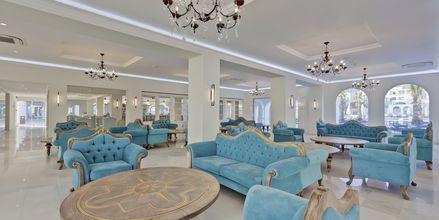 Lobby på Hotel Anemos Luxury Grand Resort i Georgiopolis på Kreta, Grækenland.
