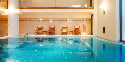 Indendørs pool på Hotel Aquila Porto Rethymno på Kreta, Grækenland