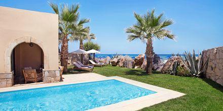 Dobbeltværelse i bungalow med privat pool på Hotel Aquila Rithymna Beach på Kreta, Grækenland