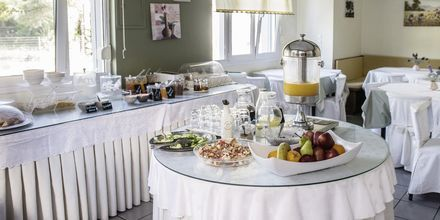 Morgenmadsrum på Hotel Armeno Beach på Lefkas, Grækenland.
