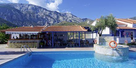 Poolområde på Hotel Aspres på Samos, Grækenland.