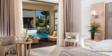 Dobbeltværelse med delt pool på Hotel Astir Odysseus på Kos, Grækenland.