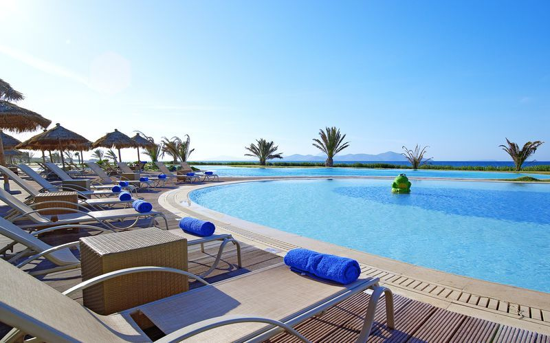 Poolområde på Hotel Astir Odysseus på Kos, Grækenland.