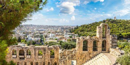I Athen venter mange antikke ruiner og bygninger