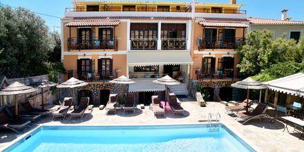 Pool på Hotel Athina i Pythagorion på Samos, Grækenland.