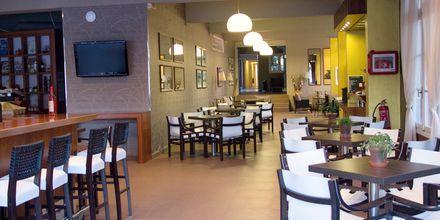 Bar og restaurant på hotel Athos på Lefkas.