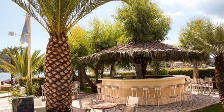 Poolbaren på hotel Athos på Lefkas.