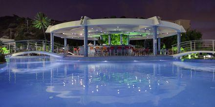 Poolbaren på Atrium Platinum i Ialyssos & Ixia & Tholos, Rhodos