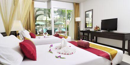 Deluxe-værelse på Hotel Baan Karon Buri Resort i Phuket, Thailand.