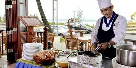 Restaurant på Hotel Baan Karon Buri Resort i Phuket, Thailand.