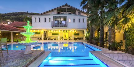 Poolområde på Hotel Bacoli i Parga, Grækenland.