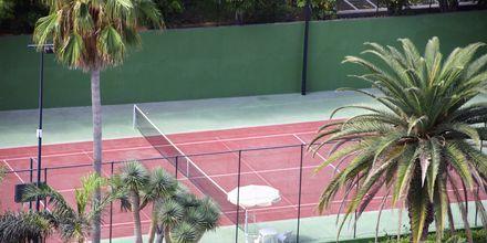 Tennisbane på Bahia Principe Sunlight San Felipe på Tenerife, De Kanariske Øer, Spanien.