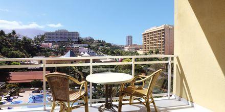 Balkonudsigt på Bahia Principe Sunlight San Felipe på Tenerife, De Kanariske Øer, Spanien.